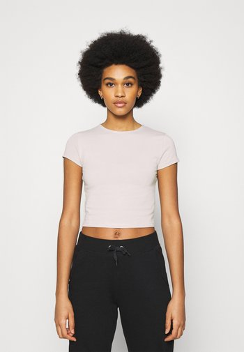 PERFECT CROPPED TEE