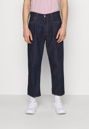 STAY LOOSE PLEATED CROP - Jeans baggy - dark indigo