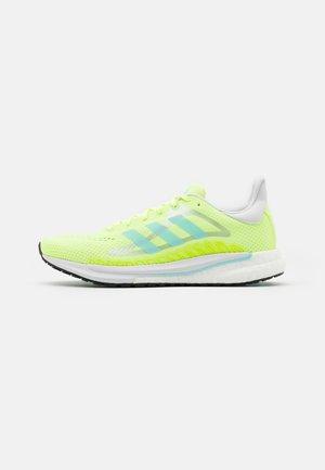 SOLAR GLIDE 3 - Neutral running shoes - hi-res yellow/clear aqua/dash grey