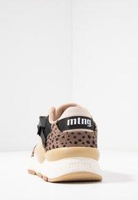 mtng - MAXI - Sneakers - piedra/miami - 5