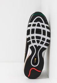 Nike Sportswear - AIR MAX 98 PRM - Zapatillas - black/flash crimson/kinetic green/psychic purple/university  gold/white - 5