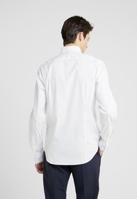 Theory - SYLVAIN WEALTH - Formal shirt - white