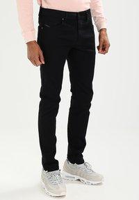 Diesel - THOMMER - Slim fit jeans - 0688h - 0
