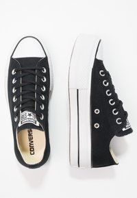 Converse - CHUCK TAYLOR ALL STAR LIFT - Sneakersy niskie - black/garnet/white - 5