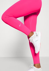 Nike Performance - ONE - Punčochy - hyper pink/white - 3