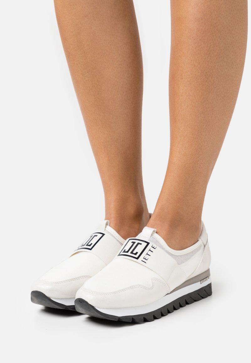 JETTE - Nazouvací boty - white