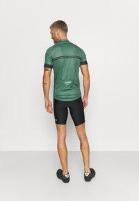 Giro - CHRONO SPORT - Cykeltrøjer - green - 2