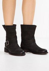 Felmini - GREDO - Cowboy/biker ankle boot - pacific black - 0