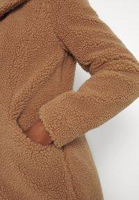 Vero Moda Tall - VMDONNA COAT - Klassisk kåpe / frakk - tobacco brown - 5