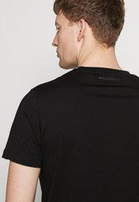 KARL LAGERFELD - CREWNECK - T-shirt imprimé - black - 3