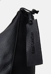 Zign - LEATHER - Across body bag - black - 3