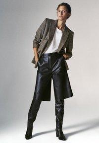Massimo Dutti - Shorts - black - 1