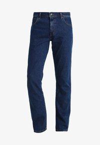 Wrangler - REGULAR FIT - Jeans Straight Leg - darkstone - 5