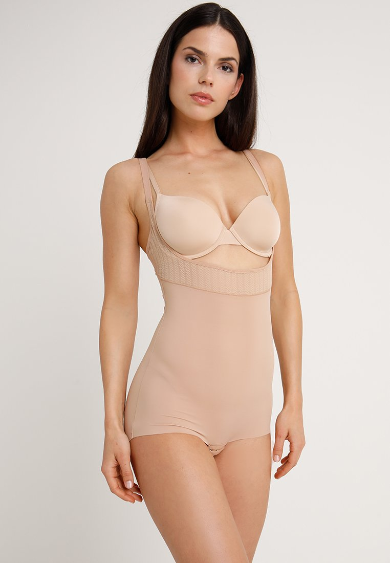 Maidenform - FIRM FOUNDATIONS STAY BODY SHAPER - Body - nude/beige