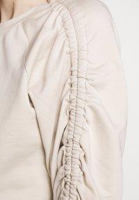 BLANCHE - Sweatshirt - white sand - 6