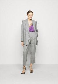 Iro - BERWYN - Linne - purple/grey - 1