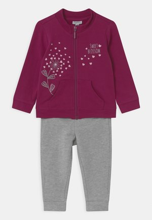 SET - Tracksuit - beet red