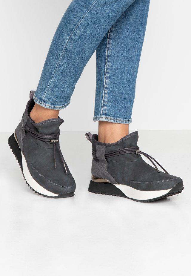 VANESSA - Boots à talons - grey