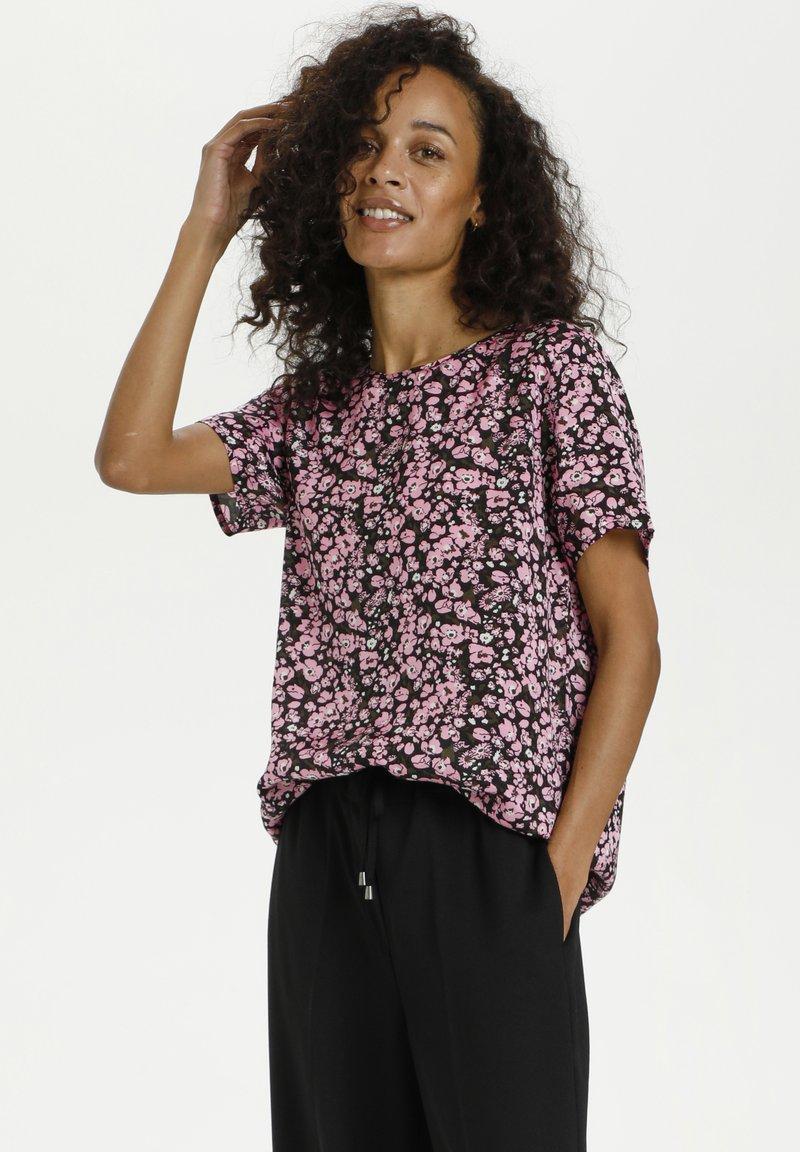 Kaffe - KAGARDANA  - Print T-shirt - candy pink / grape leaf flower