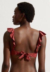 OYSHO - MIT VOLANTS  - Bikini top - pink - 2