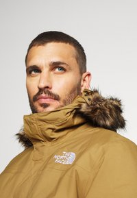 The North Face - ZANECK JACKET UTILITY - Kurtka Outdoor - utility brown - 4