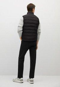 Mango - GORRYST - Waistcoat - schwarz - 2