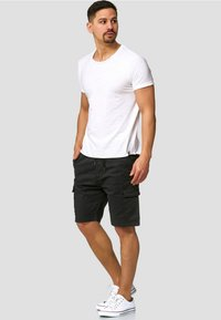 INDICODE JEANS - KINNAIRD - Shorts - black - 1