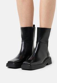 Vagabond - EYRA - Classic ankle boots - black - 0