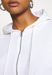 Missguided - CROP ZIP HOODY JOGGER SET - Zip-up hoodie - white - 4