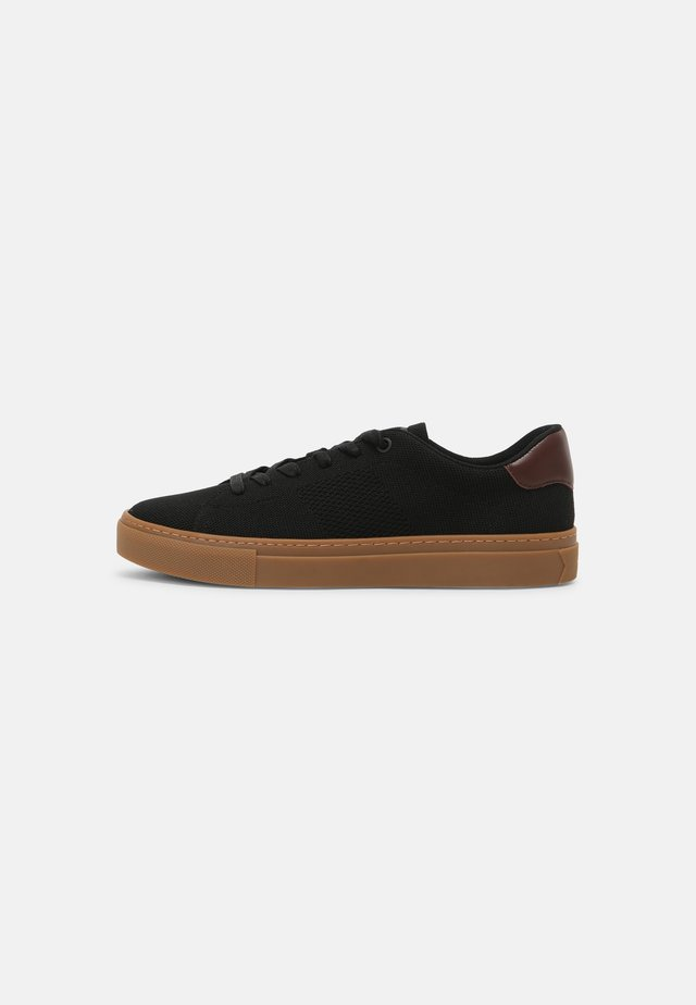 ROYALE - Sneakers basse - black/gum