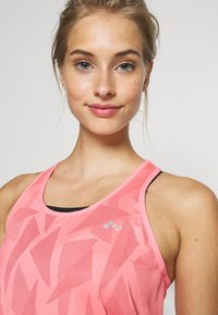 ONLY Play - ONPMADON TRAINING - Top - strawberry pink - 4