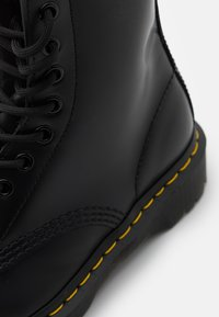 Dr. Martens - 1460 BEX - Lace-up ankle boots - black smooth - 4
