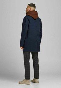 Jack & Jones PREMIUM - JJCAPE - Short coat - navy - 2
