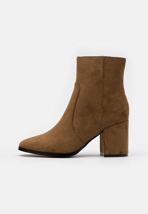 VMREA BOOT - Classic ankle boots - emperador