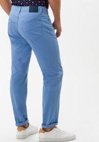 BRAX - STYLE CADIZ - Slim fit jeans - arctic - 2