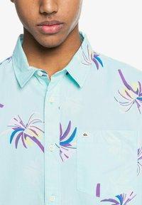 Quiksilver - Shirt - blue tint royal palms - 4