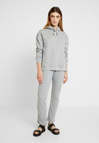 esmé studios - OLIVIA PANTS - Tracksuit bottoms - mottled light grey - 1