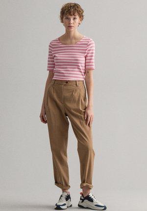 GANT DAMEN SHIRT KURZARM - T-shirt print - sea pink