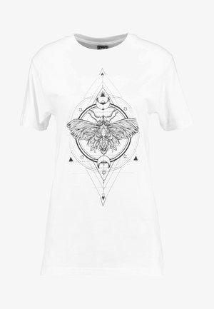 LADIES MOTH TEE - Camiseta estampada - white