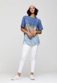 ROCKUPY - Print T-shirt - batic, multicolor - 1