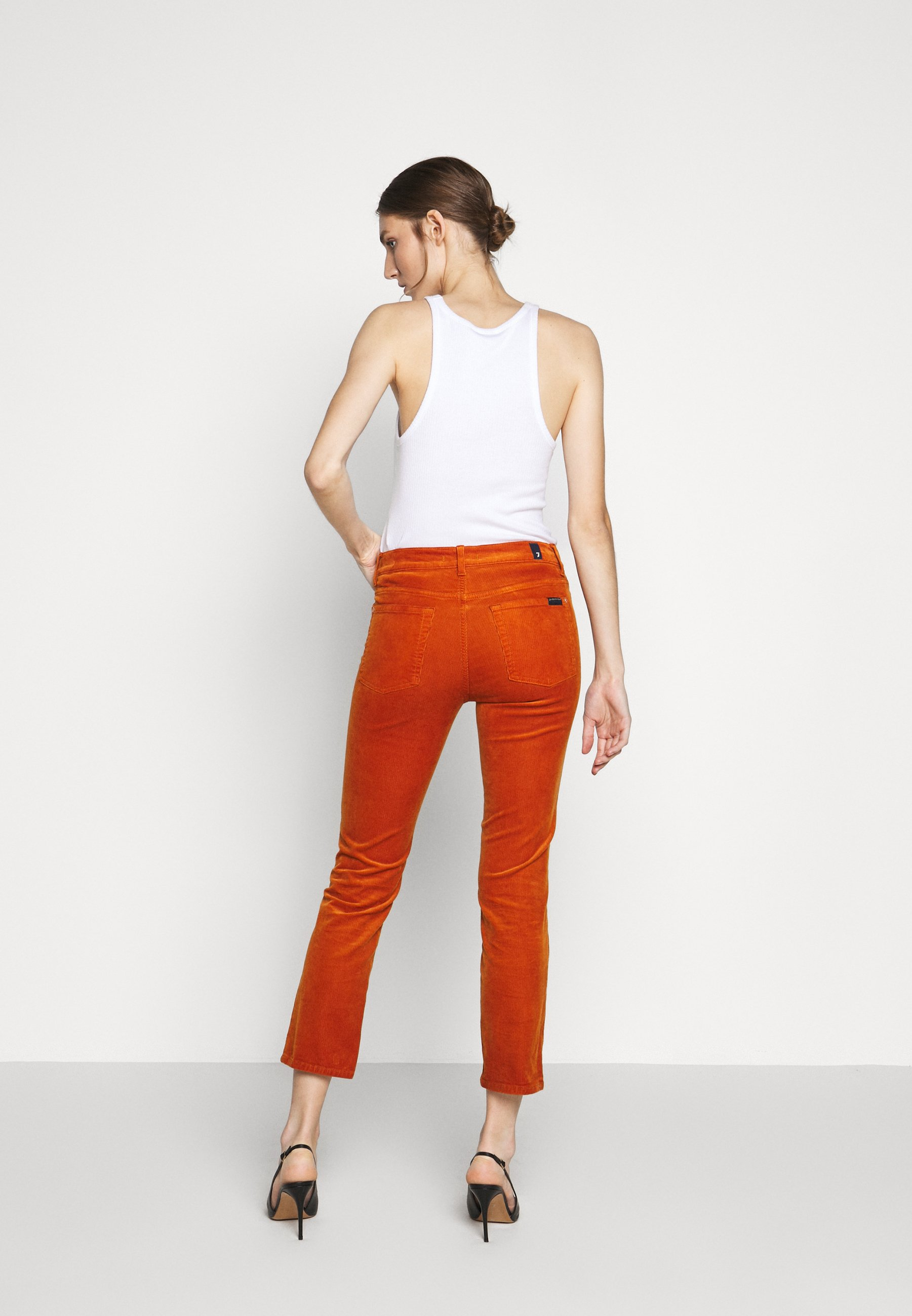 7 for all mankind THE STRAIGHT CROP - Pantalon classique - orange - Pantalons & Leggings Femme OLIyC