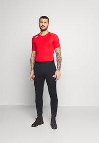 New Balance - Basic T-shirt - red - 1