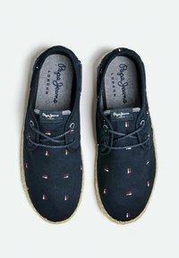 Pepe Jeans - TOURIST BRENNAN - Sneakers - azul marino - 2