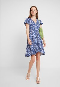 Banana Republic - WRAP PRINT DRESS - Jersey dress - indigo fog global - 2