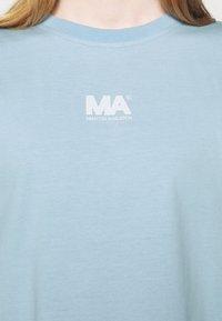 Martin Asbjørn - TEE - Print T-shirt - dream blue - 4