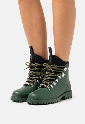 AGENZIA - Šněrovací kotníkové boty - verde