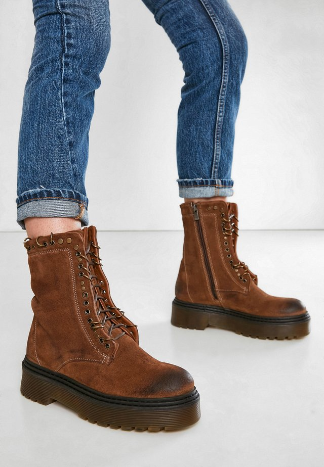 Lace-up ankle boots - sd biamicano