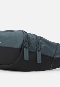 adidas Originals - SLICED WAISTBAG UNISEX - Bum bag - blue oxide/black - 3