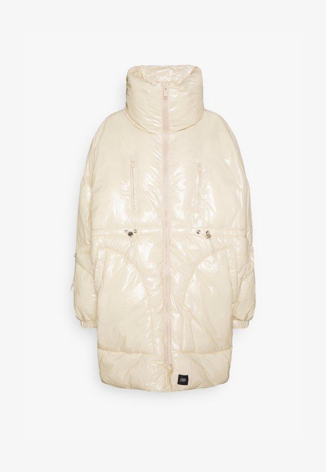 ULTRA OVERSIZED SHINY PUFFER - Winter coat - beige