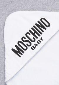 MOSCHINO - BLANKET - Tapis d'éveil - grey melange - 2